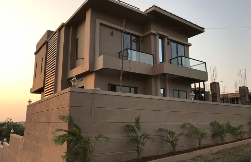 Panorama Villa - Bungalows in Khandala / Lonvala with Swimming pool.